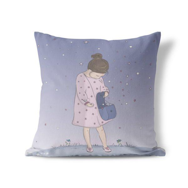 Queen of stars throw pillow