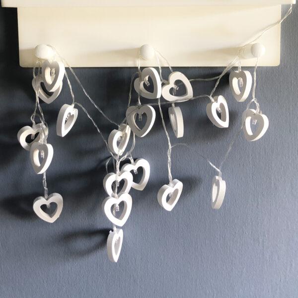 שרשרת נורות לד לבבות לעיצוב חדרי ילדים
